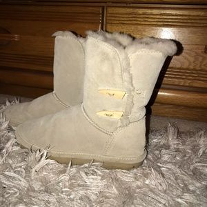 Bearpaw boots size 7⭐️